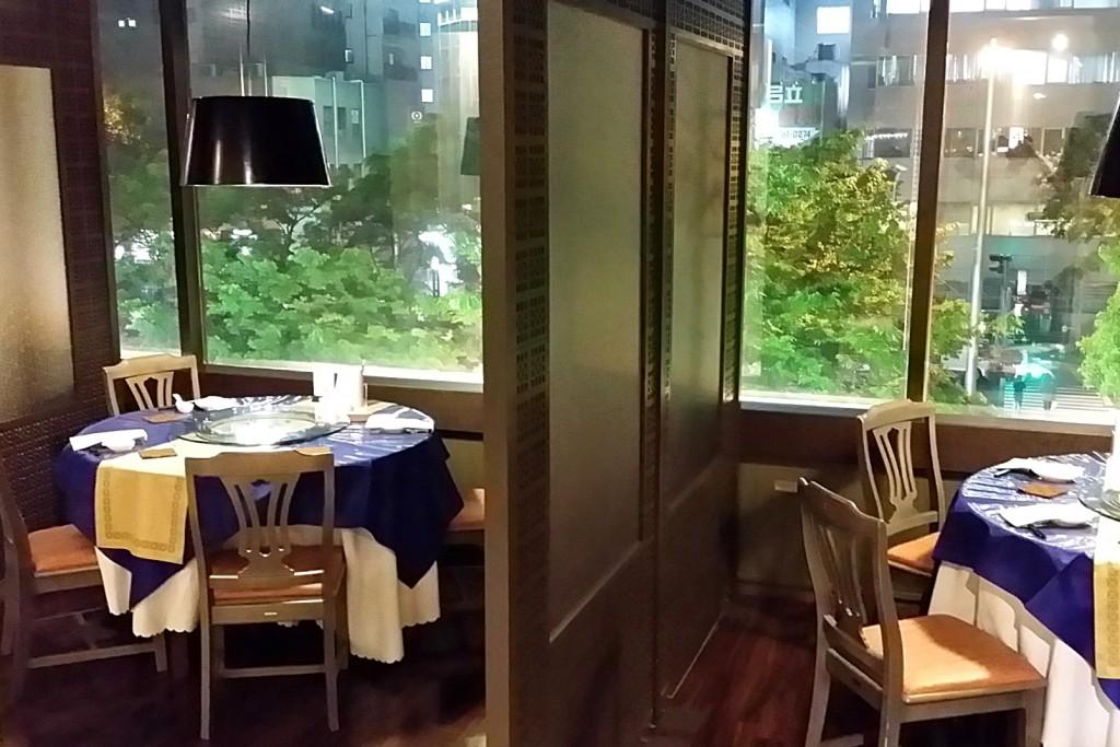 レストラン窓側